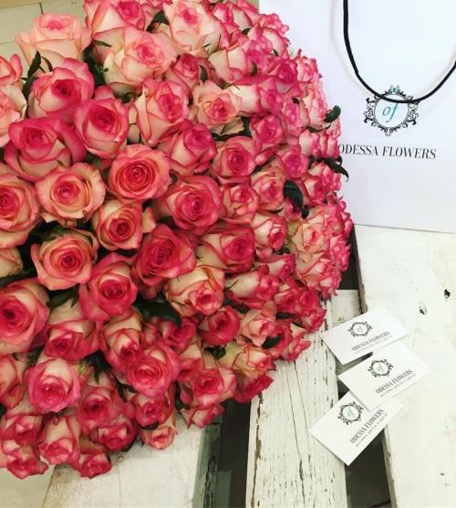 Букет Роз *Нежно-розовая роза* 101 шт