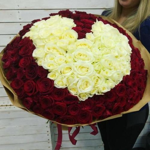 Букет Роз *Красная роза Сердце* 151 шт