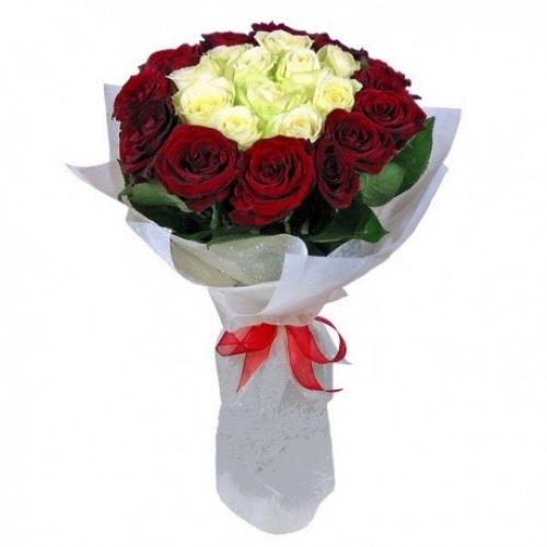 Букет Роз *Красная и белая роза* 25 шт