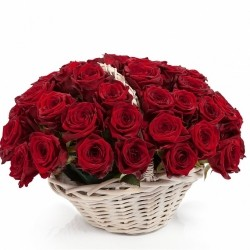Корзина *Красная Роза* 51 шт