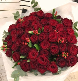 Bouquet of Roses *Red Rose and Hypericum* 51 pcs.