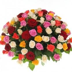 Корзина *Разноцветные розы* 101 шт